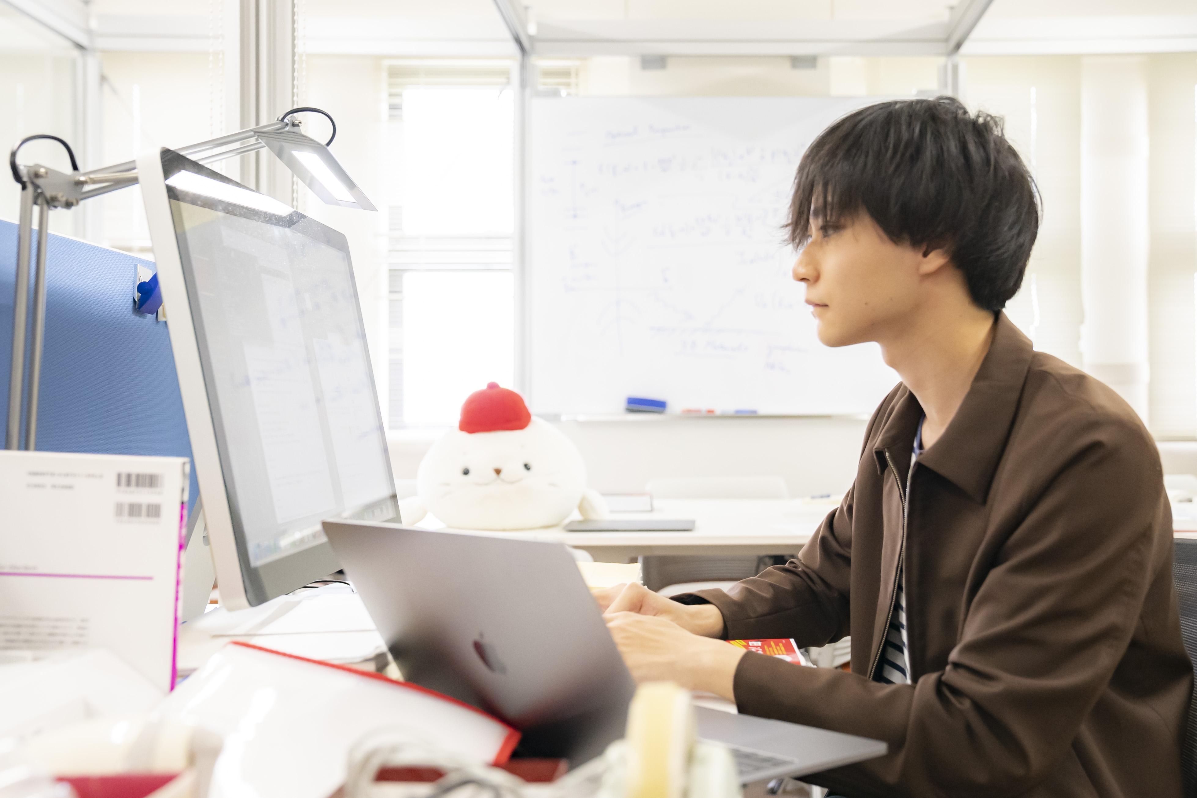 研究室風景_若林先生2